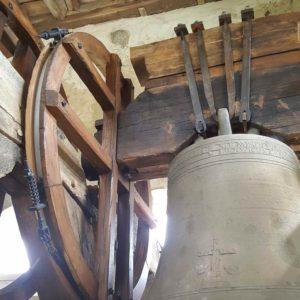 Jougs - Auzelles roue de sonnerie réalisée en chêne